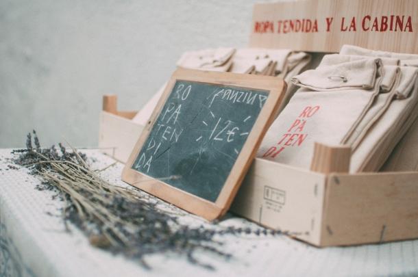 Convocatoria CRECER -Ropa Tendida Fanzine - Fotografía: © Eva Herrero
